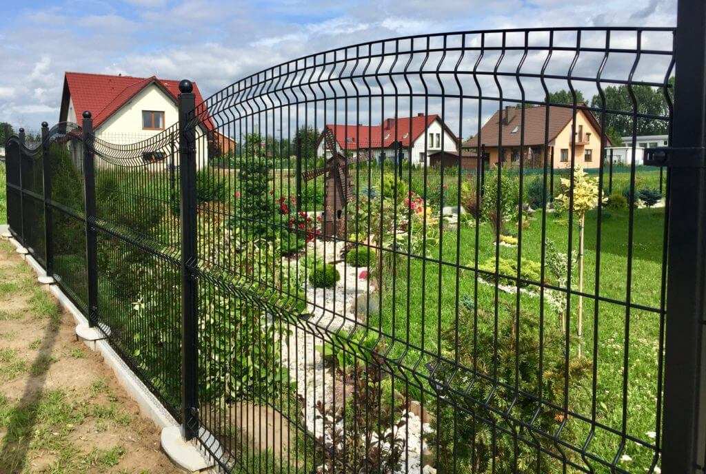 ogrodzenie do domu z paneli